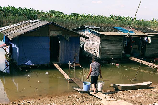 Cận cảnh khu siêu ổ chuột giữa trung tâm Hà Nội - ảnh 11