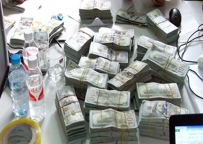 Thanh niên đẹp trai vận chuyển lậu gần 1 triệu USD qua biên giới - ảnh 1