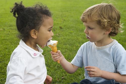 Những cách đơn giản để cha mẹ trở thành người bạn thân thiết của con - ảnh 3
