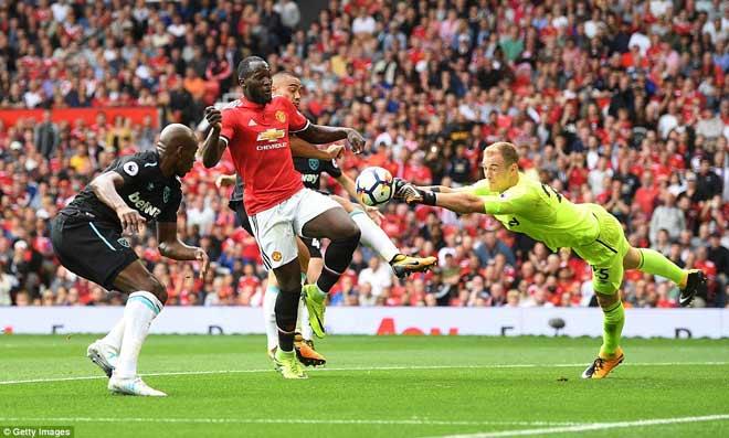 MU mở màn ngoại hạng Anh như mơ: Lukaku đáng giá từng xu - ảnh 8