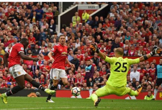 MU đại thắng: Lukaku lập cú đúp vẫn khiêm tốn, Mourinho hứa luôn tấn công - ảnh 1