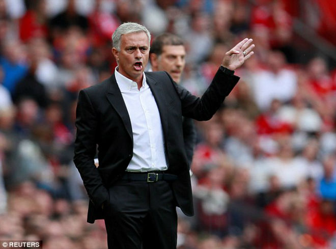 MU đại thắng: Lukaku lập cú đúp vẫn khiêm tốn, Mourinho hứa luôn tấn công - ảnh 2