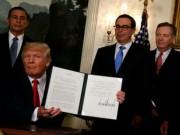 """Tổng thống Donald Trump ra  """" đòn """"  với Trung Quốc"""