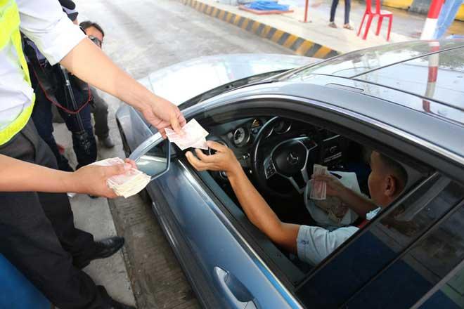 Nóng 24h qua: Bộ trưởng GTVT lên tiếng về việc đặt trạm thu phí BOT Cai Lậy