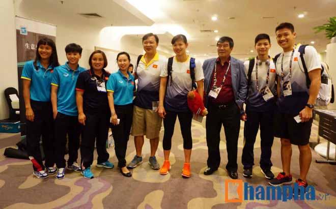 """Kỳ lạ """"ao làng"""": Ánh Viên tập bơi trên cạn săn 10 HCV SEA Games"""