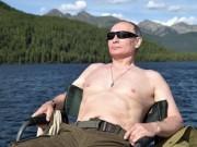 Hàng ngàn người Nga cởi trần chụp ảnh bắt chước Putin