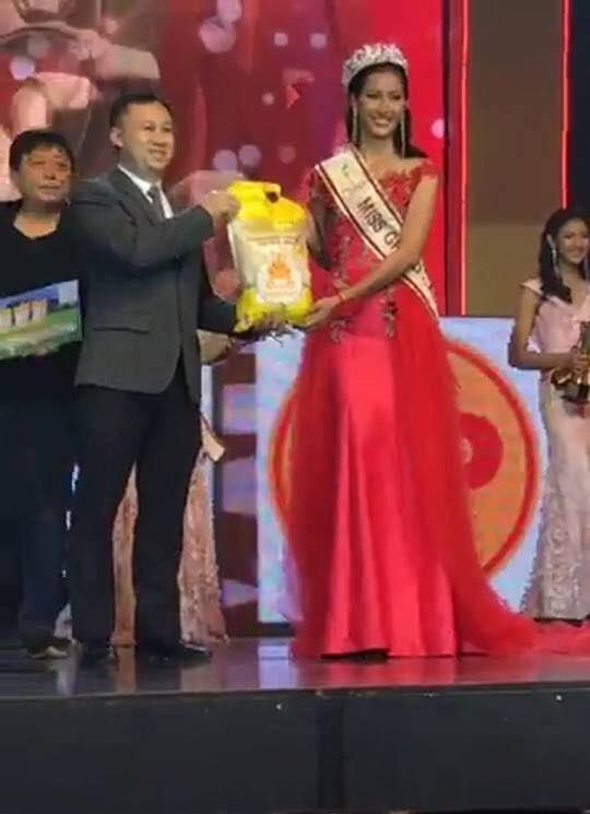 Đối thủ của Huyền My được tặng 1 bao gạo khi đoạt hoa hậu - 3