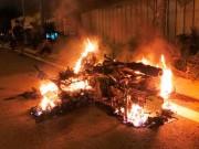Người đàn ông quằn quại bên xe máy cháy dữ dội ở SG