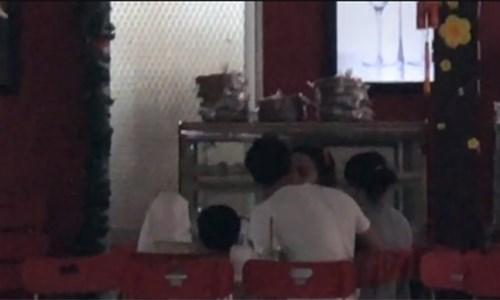 Phản bác tin đồn yêu, sao Hồ Ngọc Hà lại lộ ảnh hôn Kim Lý tình tứ? - 2