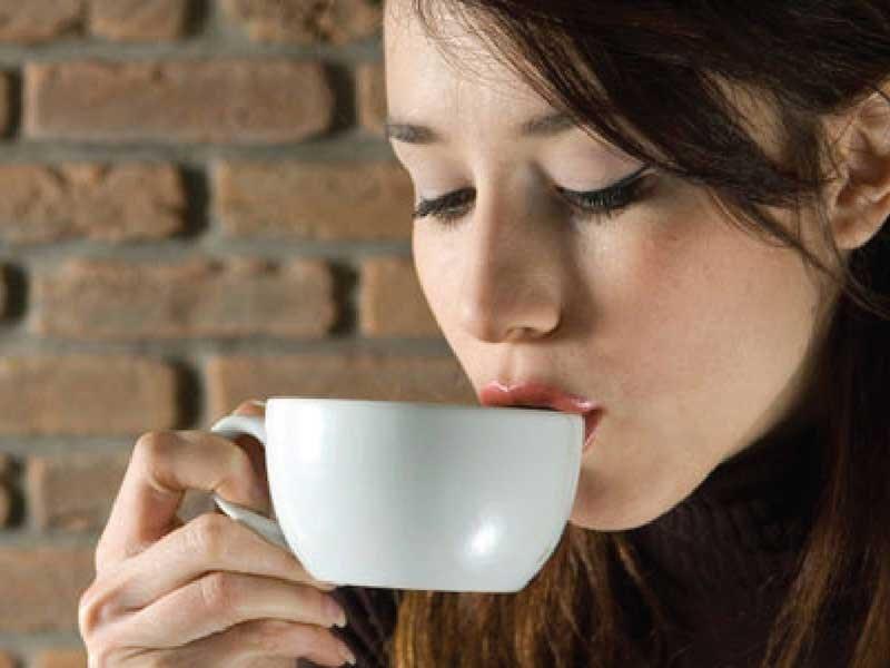 Uống cà phê giúp kéo dài tuổi thọ - 1