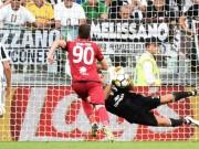 Juventus - Cagliari: Buffon trổ tài, tam tấu bùng nổ