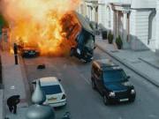 """"""" Siêu nhân mặt thốn """"  cho nổ hàng loạt xe sang khiến khán giả xót ruột"""