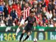Stoke City - Arsenal: Đòn phủ đầu kết liễu (Vòng 2 Ngoại hạng Anh)
