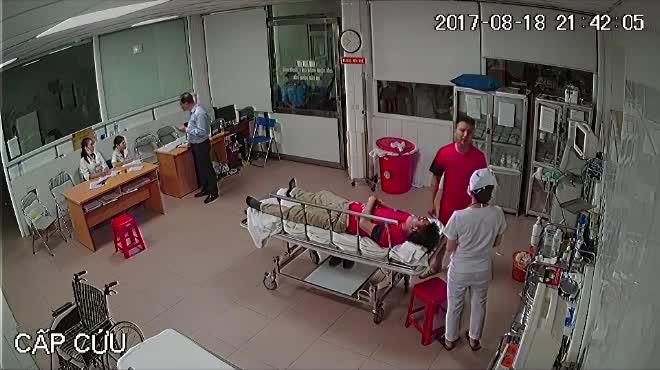 """Chủ tịch phường trần tình về clip """"bác sĩ cấp cứu 115 bị đánh""""?"""