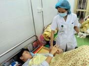 Coi chừng mất mạng vì chữa sốt xuất huyết bằng tía tô, kinh giới