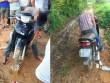 Nóng 24h qua: Bất ngờ nguyên nhân nam thanh niên chết trên xe máy
