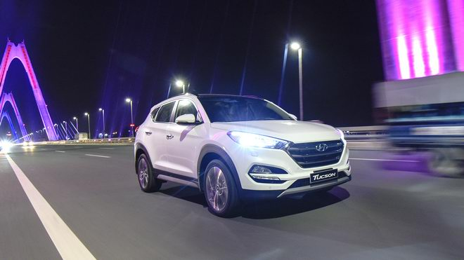 Hyundai Tucson 2017 giá từ 815 triệu đồng tại Việt Nam - 1