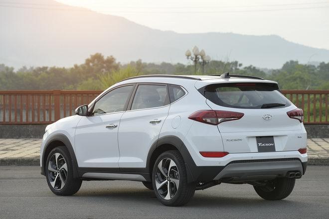 Hyundai Tucson 2017 giá từ 815 triệu đồng tại Việt Nam - 2