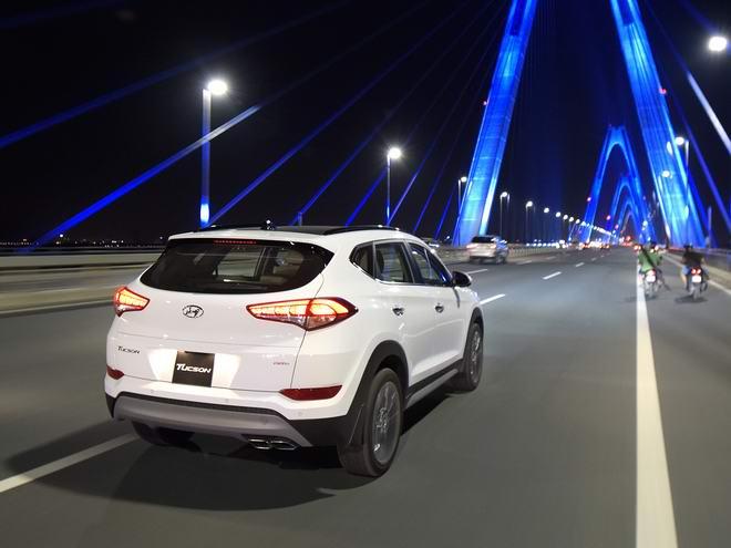 Hyundai Tucson 2017 giá từ 815 triệu đồng tại Việt Nam - 6