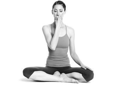 8 động tác yoga đẩy lùi bệnh tật - 3