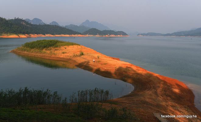 """Nghỉ lễ 2/9, đưa nhau đi trốn ở """"hoang đảo"""" xanh mướt chỉ cách Hà Nội 100km - 1"""
