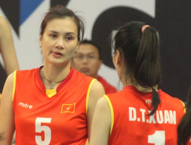 """Chân dài bóng chuyền Việt Nam """"nhảy múa"""" đè bẹp chủ nhà SEA Games - 14"""