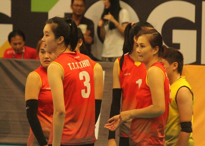 """Chân dài bóng chuyền Việt Nam """"nhảy múa"""" đè bẹp chủ nhà SEA Games - 6"""