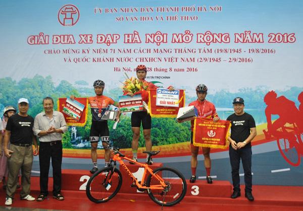 GIANT Việt Nam đồng hành cùng giải đua xe đạp Hà Nội mở rộng lần thứ IV 2017 - 2