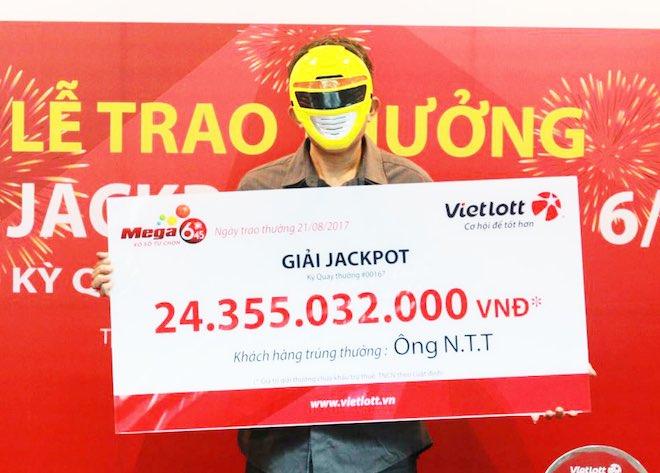 Nóng 24h qua: Bất ngờ lý do người trúng jackpot khủng đi nhận giải 1 mình