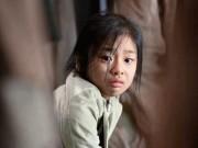 """Cô bé 11 tuổi khiến hàng tỷ khán giả rơi nước mắt trong  """" Đảo địa ngục """"  là ai?"""