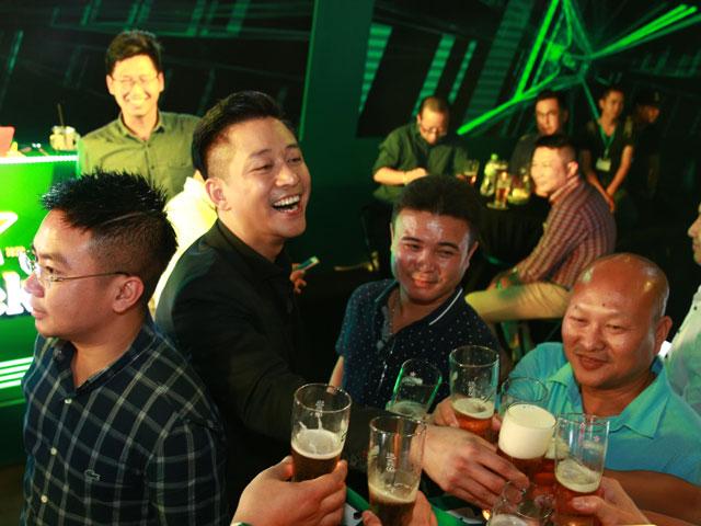 """""""The World of Heineken"""" Hà Nội vén màn bí mật hương vị bia tuyệt hảo"""