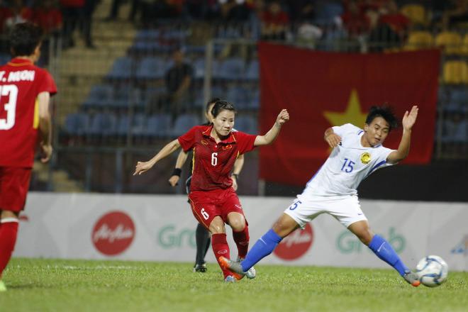 """Bi hài SEA Games: Tuyển nữ Việt Nam vô địch, tướng Chung bị """"cắt"""" HCV"""