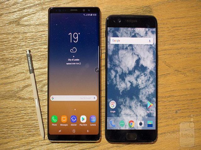 """Samsung Galaxy Note8 """"tranh tài"""" cùng OnePlus 5"""