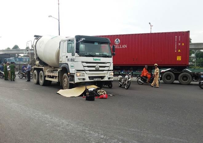 2 người tử vong trên phố ở quận ngoại ô Sài Gòn