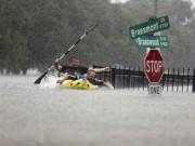 Thế giới - Siêu bão Harvey trút 34 tỷ m3 nước như ngày tận thế ở Mỹ