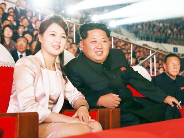 Nga: Cắt tóc ra hình khuôn mặt Kim Jong-un trên đầu khách - 2