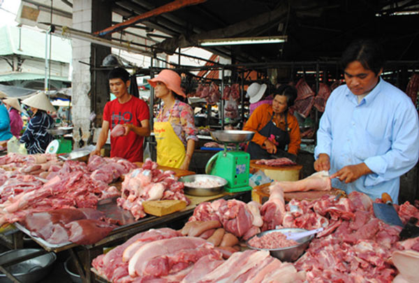 Giá thịt lợn tăng mạnh trở lại, kéo CPI tháng 8 tăng 0,92% - 1
