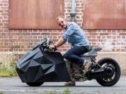 """E-lisabad -  """" Con quỷ đường phố """"  hiện thân Motorrad C Evolution"""