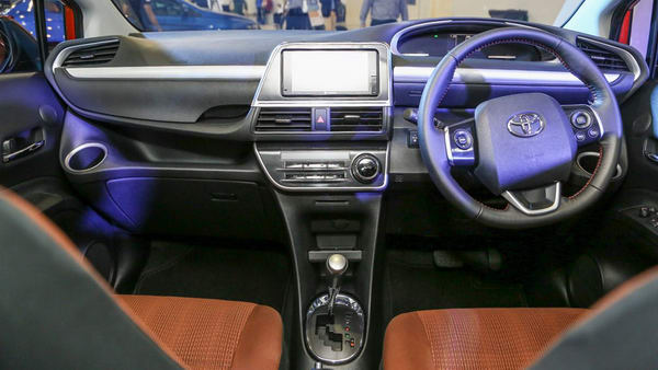 Bản độ thể thao đẹp mắt của Toyota Sienta giá 495 triệu đồng - 4