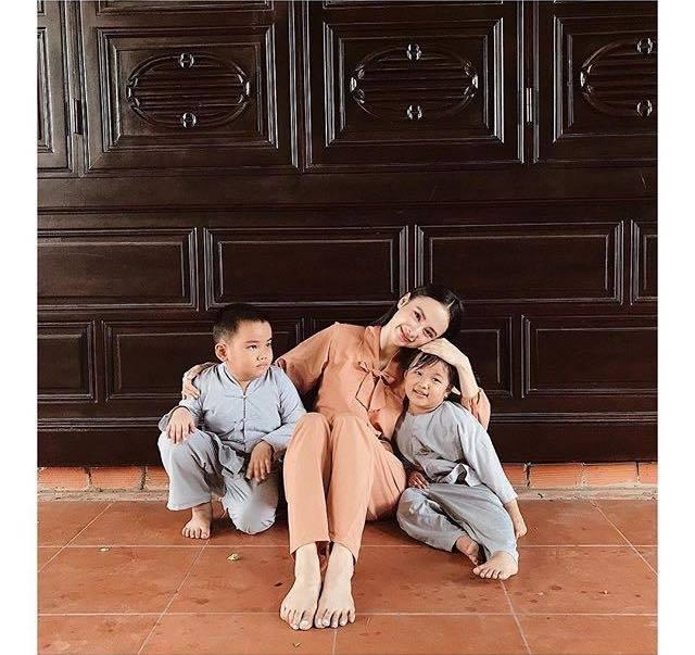 Sao Việt 5/9: Angela Phương Trinh kín đáo vẫn gây chú ý khi đi lễ chùa
