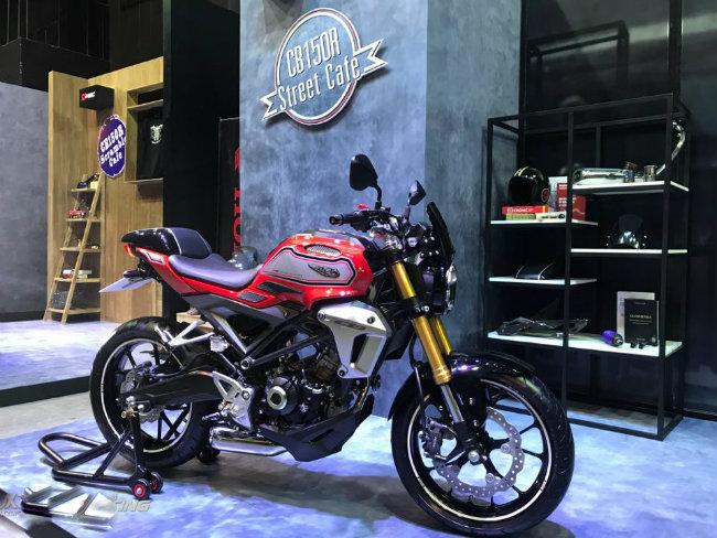 Ông Yoichi Mitani, Phụ trách AP Honda, cho biết, môtô thể thao mới nhất mà công ty trình diện được sản xuất và đầu tư rất cẩn thận tới từng chi tiết. Xe được hội tụ tinh hoa từ kinh nghiệm phát triển các xe thể thao như RC211, RC213V-S và rất nhiều mẫu siêu xe thể thao khác đã được Honda truyền gene vào Honda CB150R.