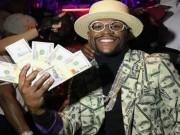 Đấm gục McGregor,  Độc cô cầu bại  Mayweather cán mốc 1 tỷ USD