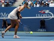 Thể thao - Cảm phục người đẹp Sharapova: Chấn thương vẫn chiến tới cùng