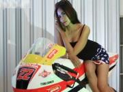 Thế giới xe - Ngắm người đẹp Á Đông thả dáng bên môtô Honda