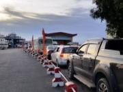 Tin tức trong ngày - Hải Phòng: Người dân đổ xô về cầu vượt biển, bến phà tắc cứng