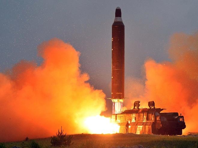 Trump chỉ có 4 phút phản ứng nếu Triều Tiên tung đòn hạt nhân - 1