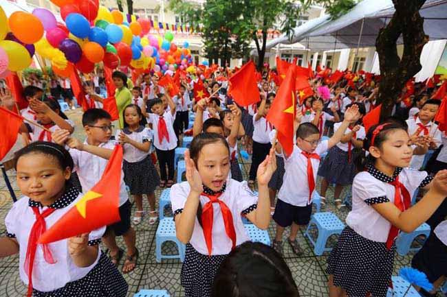 Những hình ảnh đầu tiên về lễ khai giảng năm học mới trên cả nước - 1