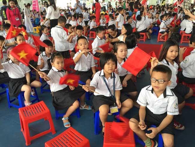 Những hình ảnh đầu tiên về lễ khai giảng năm học mới trên cả nước - 11