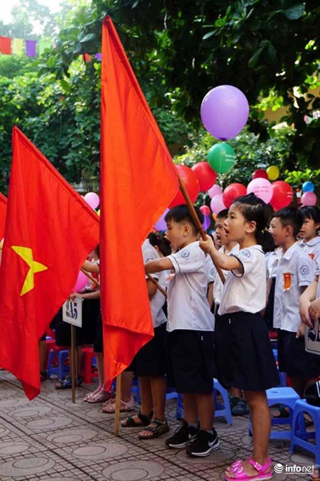 Những hình ảnh đầu tiên về lễ khai giảng năm học mới trên cả nước - 5