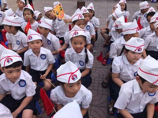 Những hình ảnh đầu tiên về lễ khai giảng năm học mới trên cả nước - 8